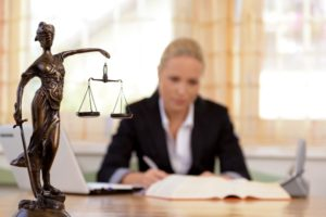 4-Kinds-of-Lawyers-for-Different-Types-of-Cases-300x200