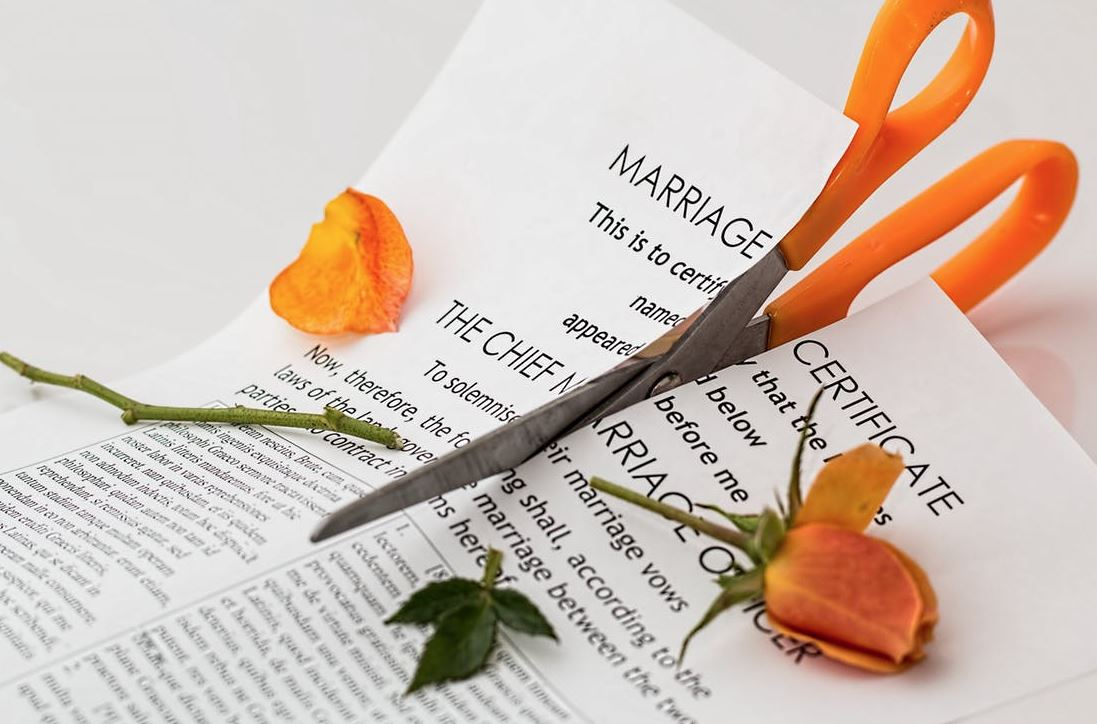 Broken families four ways to help yourself cope with the divorce while no one wishes for separation it is a fact that some marriages have been cut short by factors beyond a couples control divorce is the second most solutioingenieria Images